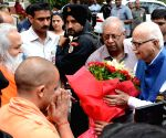 Yogi meets Advani ahead of latter's court appearance