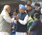 Vaccination key to fight Covid, Manmohan to Modi