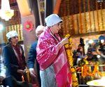 Priyanka's Dalit outreach in Ravidas temple visit