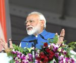 Modi to hold roadshow in Varanasi on Thursday
