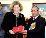 Kathleen Stephens visits BHU