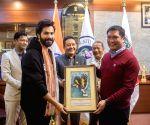 Varun Dhawan, Kriti Sanon meet Arunachal CM