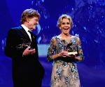 ITALY-VENICE-FILM FESTIVAL-GOLDEN LIONS FOR LIFETIME ACHIEVEMENT-JANE FONDA-ROBERT REDFORD