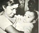 When Lata Mangeshkar cradled baby Rishi Kapoor in her arms