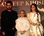 Abu Jani-Sandeep Khosla's fashion show - Jaya Bachchan, Abhishek Bachchan, Shweta Bachchan