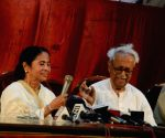 Ashok Ghosh felicitatated West Bengal CM