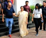 "Asha Bhosle at ""The Voice"" sets"