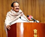 Venkaiah Naidu meets students from TN