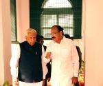 Venkaiah Naidu meets Karnataka Governor