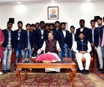 Andhra Pradesh students meets Venkaiah Naidu
