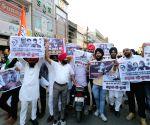 Pathankot (Punjab): 1984 Anti-Sikh riots victims protest against Pitroda's remarks during Priyanka Gandhi Vadra's roadshow