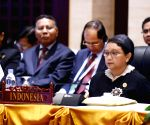 LAOS-VIENTIANE-EAST ASIA SUMMIT-FM MEETING