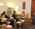Vietnam Dy PM meets President Mukherjee