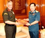 Lieutenant General Le Huy Vinh meets General Bipin Rawat