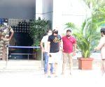 :  Vijay Deverakonda Spotted At Airport In Kalina