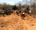 Rajasthan villagers dig reservoir for stray wild