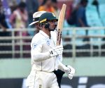 South Africa battle hard against England on rain-hit Day 3