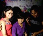 Himesh Reshammiya's 42th birthday celebration