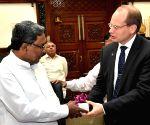 Volvo Buses President calls on Karnataka CM