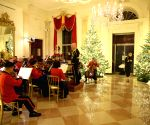 U.S. WASHINGTON D.C. WHITE HOUSE CHRISTMAS DECORATIONS