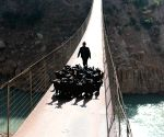 CHINA GUIZHOU CABLEWAY BRIDGE