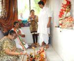 Rahul Sinha offers 'puja' ahead of 2014 Lok Sabha Elections