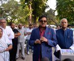 Mamata meets Arun Shourie, Yashwant Sinha and Shatrughan Sinha
