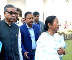 Mamata Banerjee meet school students