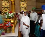 Mamata Banerjee at Gurdwara Sant Kutiya