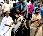 Mamata Banerjee leads a candle march to pay tributes to Pulwama attack martyrs