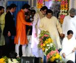 Mamata Banerjee pays tributes to Gurudev Rabindranath Tagore
