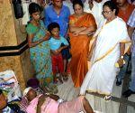 Bengal doctors' strike continues as medicos reject Mamata ultimatum