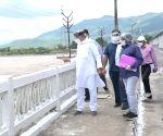 West Champaran: Nitish Kumar inspects Balmikinagar Gandak Barrage