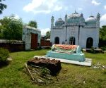 Free Photo: Mosque taken care of by Hindus