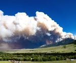 Wildfire in US state forces evacuation of hundreds