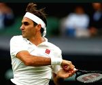Post knee surgery, Federer hoping to return at 'some point next year'