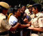 Mahila Dakshata Samiti and other women organizations members protesting