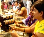 Gold may surge to Rs 40,000 per 10 gram by Diwali