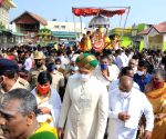 Scion of the erstwhile Royal family participates in Chamundeshwari Rathotsava