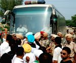 Youth Congress halted the Lahore-Delhi bus in protest against killing of five Indian soldiers at LoC