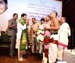 Jaganmohan Reddy receives warm welcome at Andhra Pradesh Bhavan