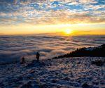 CHINA HUBEI ZIGUI CLOUDS SUNRISE