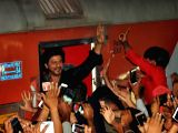 Shah Rukh Khan at Surat railway station