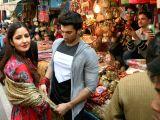 Aditya Roy Kapoor and Katrina Kaif at Janpath street market