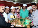 Delhi: Starcast of  ``Ishq Ke Parindey`` visits Nizamuddin Dargah
