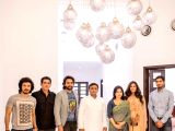 Film Sarbjit team meets Akhilesh Yadav and his family