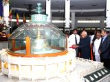 Former Vice-President Hamid Ansari visits Deekshabhoomi to pay tribute to B. R. Ambedkar in Nagpur on Nov 26, 2017.
