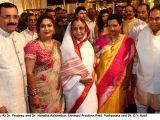 (From L-R) Dr. Pradeep and Dr. Nandita Palshetkar, Shrimati Pratibha Patil, Pushpalata and Dr. D.Y. Patil during the wedding reception of Rohan Palshetkar and Karishma in Mumbai, on January 23, 2014.