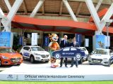 Hyundai Motor India Ltd MD YK Koo hands over the Hyundai Premium Cars to FIFA Marketing Operations Group er Martin Nussbaumer as Official Partner of FIFA U-17 World Cup India 2017, in ...