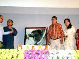 Kolkata: Sharmila Tagore, Soumitra Chatterjee pay tribute to  Satyajit Ray